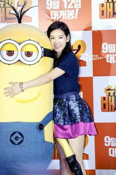 Taeyeon & Seohyun At Despicable Me 2 Yellow Carpet,, 13.09.04  #Snsd #GG #Soshi #Event #Movie #DespicableMe2 #Minion #Taeyeon