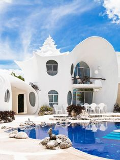 32 Airbnbs That Will Blow Your Mind (Not Your Budget)  #refinery29  http://www.refinery29.com/crazy-airbnb-rentals