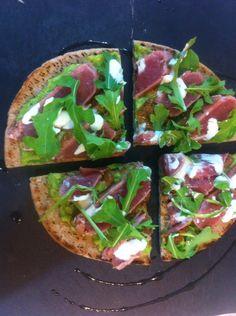 Pizzeta de atún sellado! Sea Food, Tacos, Healthy Eating, Mexican, Diet, Ethnic Recipes, Fitness, Kitchen, Recipes