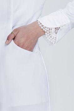 Kurti Sleeves Design, Sleeves Designs For Dresses, Sleeve Designs, Simple Kurta Designs, Kurta Designs Women, Blouse Designs, Abaya Mode, Mode Hijab, Designer Salwar Kameez