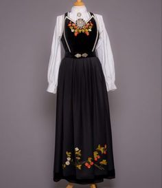 Fløyelsliv - Almankås Ethnic, That Look, Vest, Victorian, Norway, Inspiration, Dresses, Fashion, Biblical Inspiration
