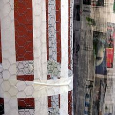 How to Paper Mache Over Chicken Wire -- just in case Chicken Wire Art, Chicken Wire Crafts, Paper Mache Clay, Paper Mache Crafts, Decor Crafts, Fun Crafts, Arts And Crafts, Diy Paper, Paper Art