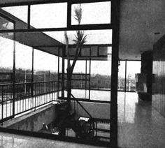 Hall y jardín interior, Casa Abud, Cascada 280, Jardines del Pedregal, Álvaro Obregón, México DF 1958Arq. Antonio Abud NacifHall and interior garden, Casa Abud, Cascada 280, Pedregal, Mexico City 1958