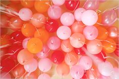 Globos inflados con helio! / Helium balloons!