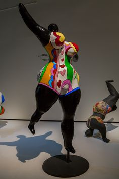 niki de saint phalle super happy sculpture kleuterklas ideetjes pinterest skulptur. Black Bedroom Furniture Sets. Home Design Ideas