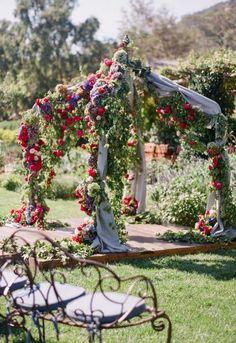 fall wedding ceremony idea via Corbin Gurkin Photography / http://www.deerpearlflowers.com/wedding-ceremony-arches-and-altars/5/