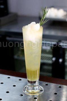 Cách Làm Trà Vải Green Lychee Freeze Mới Lạ Fruit Juice Recipes, Fruit Drinks, Fruit Snacks, Dessert Drinks, Fruit Smoothies, Fruit Salad With Yogurt, Best Fruit Salad, Fruit Diet, Highlands Coffee