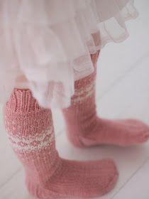 Life with Mari: Vauvan sekä taaperon kirjoneulevillasukat ♥ OHJE Knitting For Kids, Knitting Socks, Leg Warmers, Knits, Fashion, Knit Socks, Leg Warmers Outfit, Moda, Fashion Styles