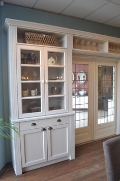 Praktische, mooie kamerscheiding, kan ook met de deuropening naar de kamer