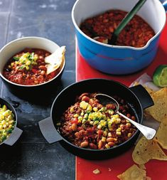 Chilli con carne from Olivia Andrews' 'Whole Food Slow Cooked' Chilli Dish, Chana Masala, Whole Food Recipes, Food To Make, Crockpot, Slow Cooker, Chili, Salsa, Curry