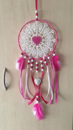 Handmade dreamcatcher or dream catcher. The Center is crocheted in cotton. Doily Dream Catchers, Dream Catcher Art, Basic Crochet Stitches, Crochet Patterns, Diy And Crafts, Arts And Crafts, Crochet Dreamcatcher, Happy Hippie, Creation Deco