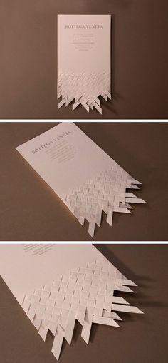 Para recuperar el ejercicio de los módulos ,este año voy a proponemos tejer en papel (trama y urdimbre)...si os fijáis un poco tiene mucha r...