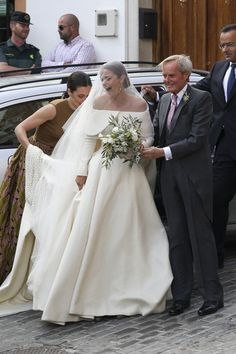 Lady Charlotte Wellesley and Alejandro Santo Domingo: The Bride: Lady Charlotte Wellesley, daughter of Duke of Wellington Charles Wellesley of the United Kingdom. The Groom: Alejandro Santo Domingo, a financier. When: May 2016 Where: Íllora, Spain Royal Wedding Gowns, Royal Weddings, Bridal Gowns, Easy Weddings, Glamorous Wedding, Dream Wedding, Trendy Wedding, Perfect Wedding, Lady Charlotte Wellesley