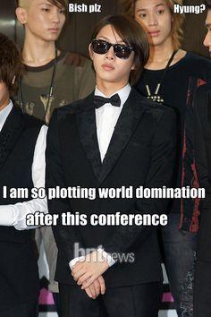 Ladies and Gentlemen, Kim Heechul... xD