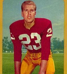 #footballz happy birthday to Claude Crabb! You played six years of pretty unremarkable football in the 60s but you did have one of the most Thomas Pynchon-ass names in NFL history! I picture you as like maybe a small town mayor in a missing chapter of Vineland or something! Like you retired back to California (where you were actually born) and coasted on your fame to a somewhat ineffectual life in small town politics! You secretly do like mescaline or something and deliver some sort of…