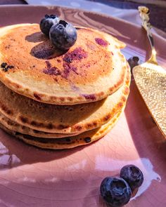 I love making recipes healthier, this is one of those recipes that I finally perfected through all the test tries. My blueberry Oats pancake, full of healthy benefits! check it out! All You Need Is, Healthy Oat Pancakes, Blueberry Oat, Good Food, Yummy Food, Something Sweet, Food To Make, Peanut Butter, Healthy Recipes