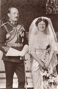 Chic Vintage Bride – Princess Alexandra, Duchess of Fife married Prince Arthur of Connaught at the Chapel Royal, St. James's Palace, on October 15 1913.
