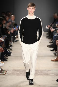 See the complete Todd Snyder Fall 2017 Menswear collection.
