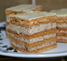 Bucataria Irinei...: Prajitura din foi umplute cu nuca si frisca Yummy Cookies, Cake Cookies, Yummy Treats, Cupcake Cakes, Sweet Treats, Sweets Recipes, No Bake Desserts, Easy Desserts, Cookie Recipes