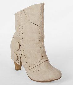 Not Rated News Flash Boot In Cream