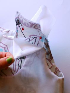 How to create all-in-one facings! A tutorial for a clean, professional, top-stitching-free bodice finish!