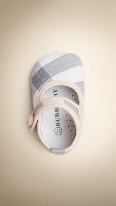 Check Cotton Baby Shoes / Booties | Burberry