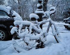 Fahrrad im Schnee von Bruni15