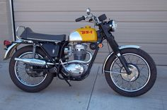 BSA 441 Victor Special one cyl. All torque with 441 c. American Motorcycles, Cool Motorcycles, Triumph Motorcycles, Vintage Motorcycles, Enduro Motorcycle, Retro Motorcycle, Motorcycle Design, Ducati Classic, Classic Bikes