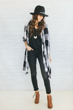 New Ways To Wear Blanket Scarf (fall outfits for teen girls with scarves) Look Fashion, Fashion Outfits, Fashion Trends, Ladies Fashion, Fashion Ideas, Feminine Fashion, Fashion Black, Womens Fashion, Fall Fashion
