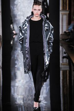 Valentin Yudashkin Fall 2014 Ready-to-Wear Collection Slideshow on Style.com