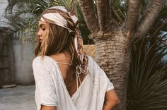 AMUSE SOCIETY is an archetype of beach chic. A collection of ready to wear, beach knits and bikinis that are undeniably bold and rebelliously sexy. Bohemian Gypsy, Bohemian Style, Boho Chic, Hippie Style, Dandy, Boho Fashion, Fashion Beauty, Fashion Shoot, Fashion Art