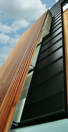Accent strip of Black Single Lock Standing Seam (Zinc) | Design Cladding