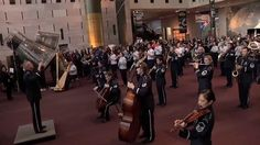 A wonderful video.  Enjoy! MUST SEE - FLASH MOB !  A First for the U.S. Air Force Band at the Natio...