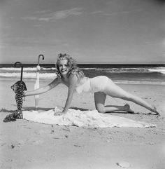 ★ Marilyn Monroe ♡ Old Hollywood ★ Style Marilyn Monroe, Young Marilyn Monroe, Norma Jean Marilyn Monroe, Marilyn Monroe Photos, Marilyn Monroe Cuadros, Greta, Nude Portrait, Actrices Hollywood, Marlene Dietrich