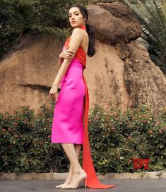 Shraddha Kapoor In Safiyaa Dress - Rup Fashion Point Shraddha Kapoor Cute, Safiyaa, Sraddha Kapoor, Hd Wallpapers For Mobile, Orange Dress, Image Hd, Hd Photos, Bollywood Actress, Bollywood Girls
