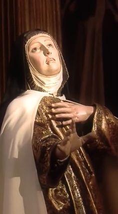 SANTA TERESA DE JESÚS Saint Teresa Of Avila, Catholic Saints, King Of Kings, Sacred Art, Religious Art, Deities, Sculptures, Prayers, Artwork