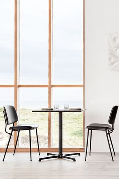 The simple aesthetic makes the Pato Table the perfect partner to any chair. Conceived with the right material options and dimensions for it to be one concept versatile enough for numerous segments, settings and visual styles. #fredericiafurniture #patotable #patotableseries #interiordesign #commercialsettings #diningsetting #restauranttable #cafétable #modernoriginals #craftedtolast Cafe Tables, Restaurant Tables, Simple Aesthetic, Dining Set, Concept, Interior Design, The Originals, Chair, Modern