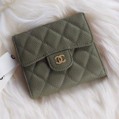Chanel A82288-22 Classic Small Flap Wallet