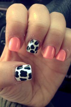 With celebrities like Ariana Grande and Kendall Jenner Showing love for Cow Print Nail Art, it will soon be the next big nails trend that everyone is wearing, So here is a heads up so you can be one of the first to try out these hot cow print nails. Cute Acrylic Nail Designs, Cute Acrylic Nails, Nail Art Designs, Nails Design, Farm Animal Nails, Rodeo Nails, Country Girl Nails, Western Nails, Cow Nails