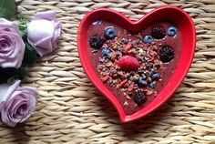 lululemon | from the blog | breakfast criminals: pomegranate strawberry cocoa smoothie bowl