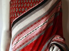 Mora - Collection North eastern Indian weaves and other cottons Pinned by Sujayita Indian Attire, Indian Ethnic Wear, Indian Outfits, We Wear, How To Wear, Indian Couture, Handloom Saree, Beautiful Saree, Fashion Wear