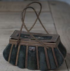 Antique French  Velvet Travel Bag / Sac Du Voyage for French Fashion doll