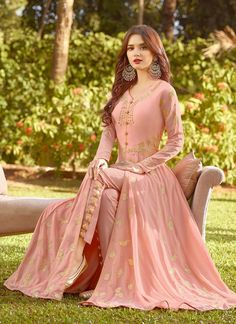 Peach Vibes Golden Embroidered Slit Style Anarkali Suit will indulge you to look more beautiful on this wedding season with its alluring beauty. Dress Indian Style, Indian Fashion Dresses, Indian Designer Outfits, Indian Outfits, Designer Dresses, Stylish Dress Designs, Stylish Dresses, Casual Dresses, Pakistani Fashion Party Wear