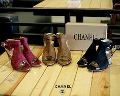 New New 👍🏻👍🏻👍🏻 250rb CHANEL  Series 337-13MX #011 Colours : Black,brown,Red Heels 8,5cm Insole : 36 : 22.5 cm 37 : 23 cm 38 : 23.5 cm 39 : 24 cm 40 : 24.5 cm Berat 0,7kg QUALITY SEMI PLATINUM 👍🏻👍🏻👍🏻👍🏻