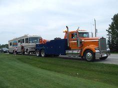 (USA) tow wrecker truck on duty Kenworth Trucks, Peterbilt, Semi Trucks, Big Trucks, Towing And Recovery, Truck Repair, Tow Truck, Diesel Trucks, Cummins