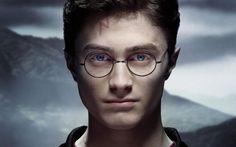 Il mistero di J.K.Rowling: cosa si nasconde dietro a Harry Potter? Il mistero di J.K.Rowling, ovvero di una giovane disoccupata che, con un matrimonio fallito alle spalle e un figlio da mantenere, decide di scrivere un libro per cercare di guadagnare qualche soldo.  #libri #curiosità #harrypotter #autori