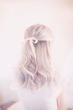 blonde hairstyle, bl