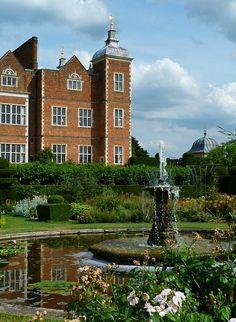 Gardens at Hatfield House | Hertfordshire
