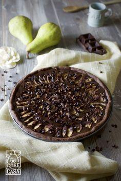 Torta pere e cioccolato. Qui la ricetta. http://cosefatteincasa.it/2016/04/23/torta-pere-e-cioccolato/