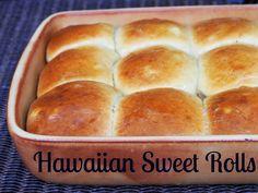 Hawaiian sweet rolls/ Havaijilaiset sämpylät ja leipäviikko — Peggyn pieni punainen keittio